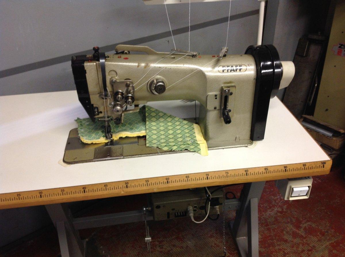 Usato pfaff macchina per cucire 1246 706 05 a 2 aghi for Cucire macchina