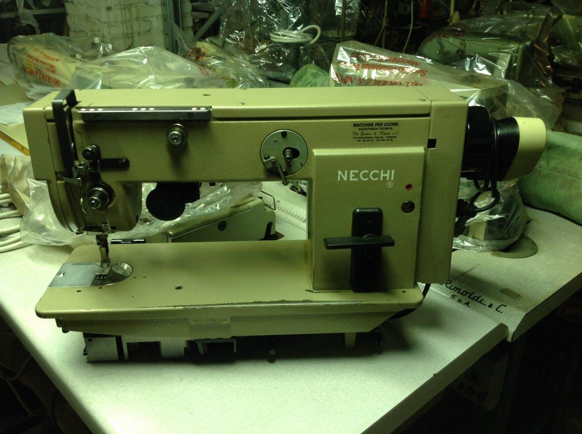 Usato necchi macchina per cucire ad 1 ago rasafilo del for Macchine per cucire necchi prezzi