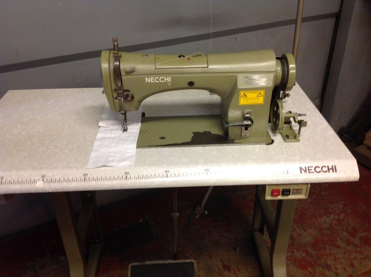Usato necchi macchina per cucire 835 161 lineare del for Macchine per cucire necchi prezzi