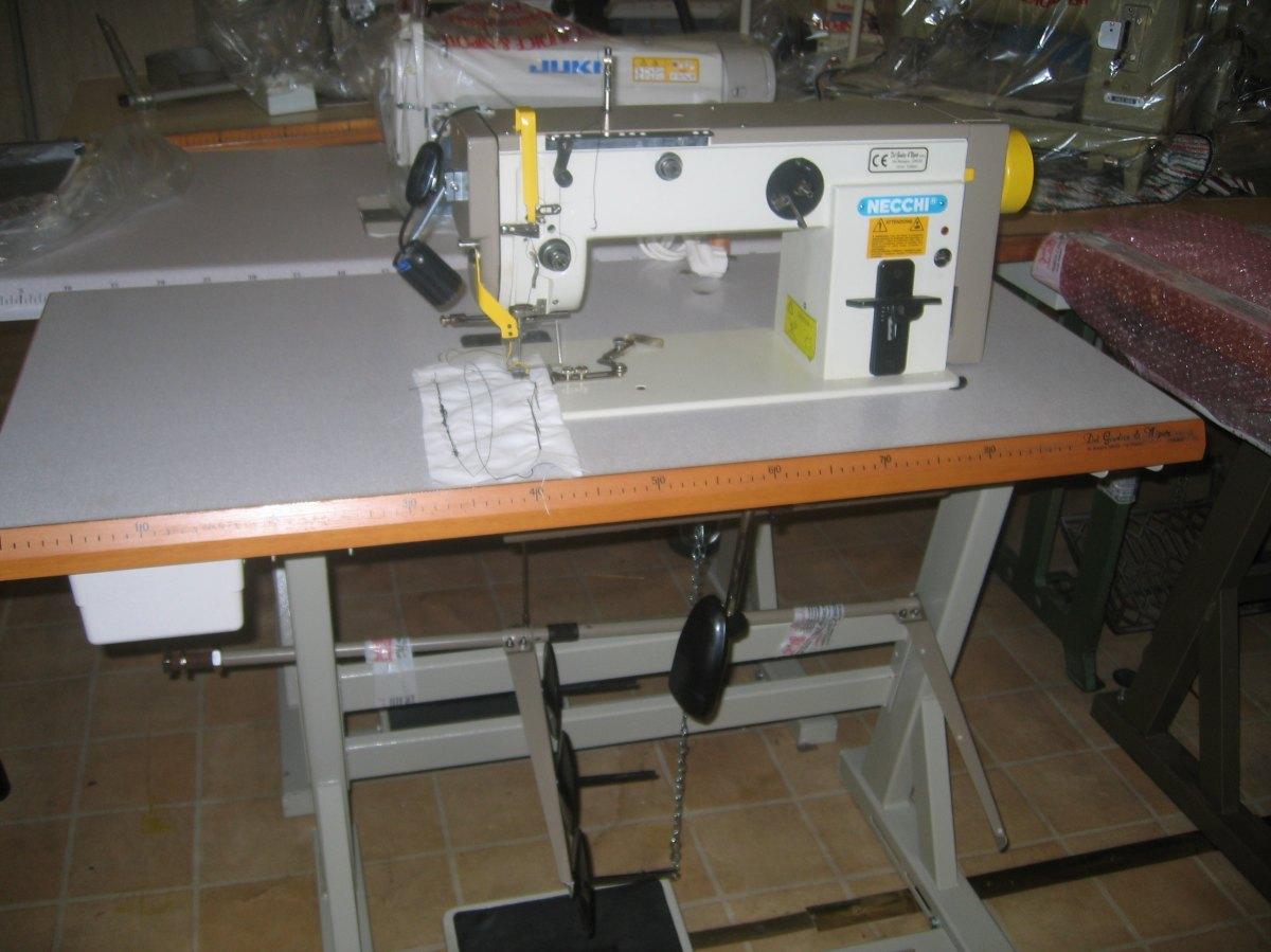 Necchi macchina per cucire un ago etj895 261 del - Tavolo macchina da cucire ...