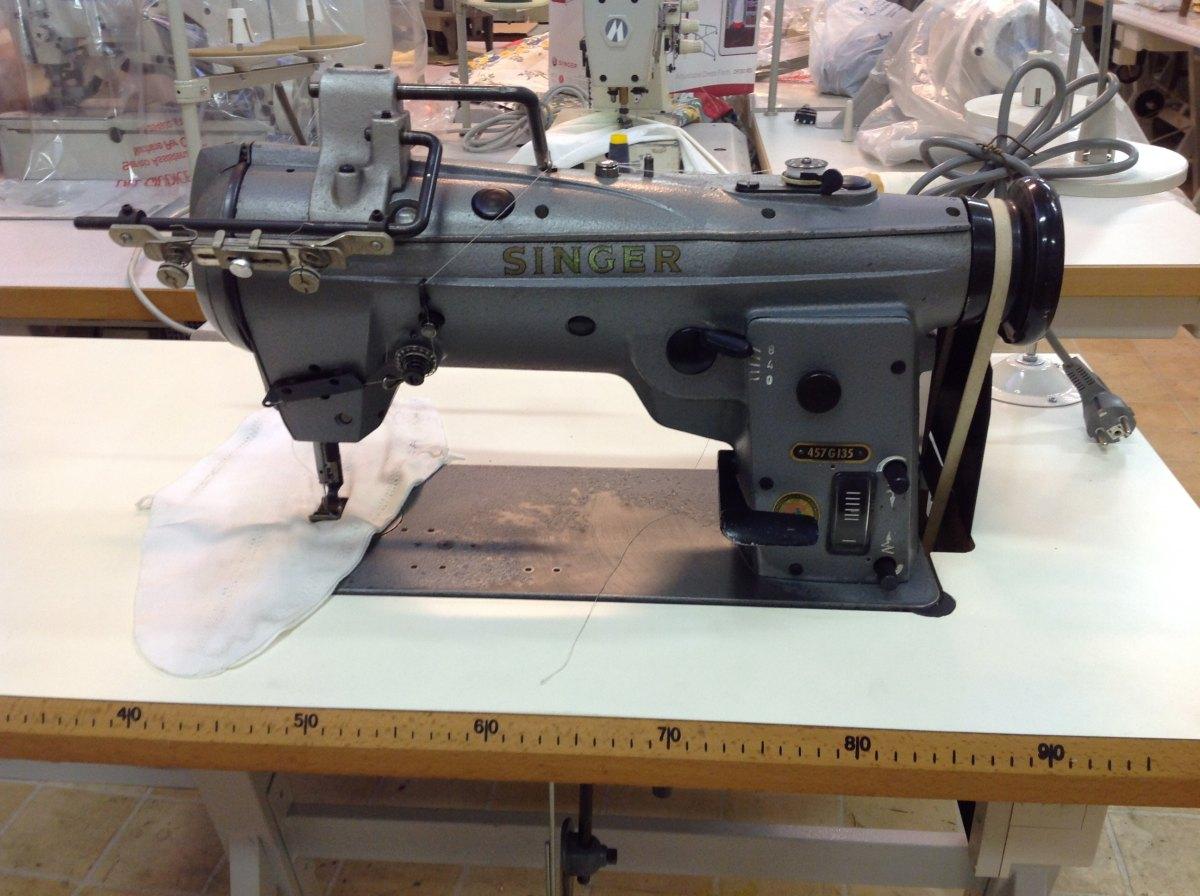 Usato singer macchina per cucire 457g 135 three stitch for Prezzi macchine singer