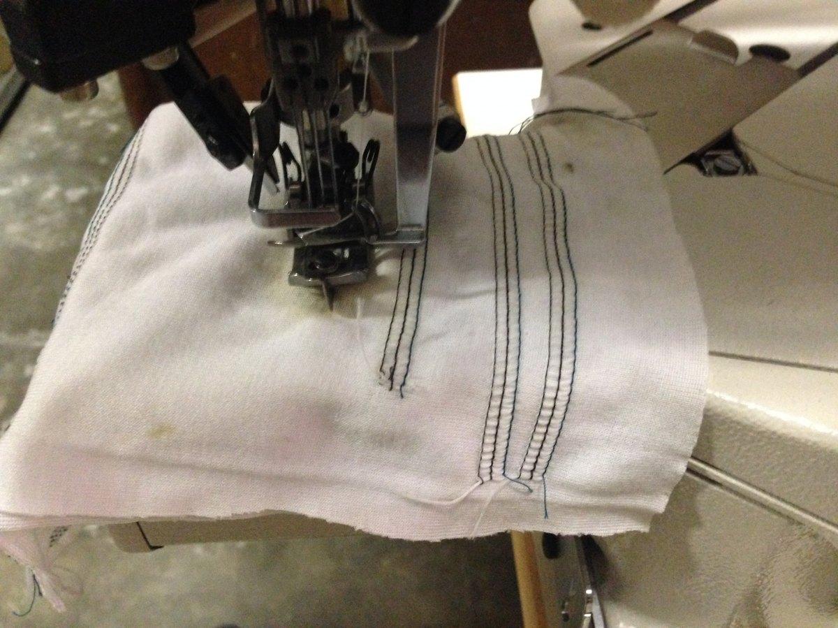 Juki macchina per cucire 3 aghi a braccio mf7823 u10 for Aghi macchina da cucire