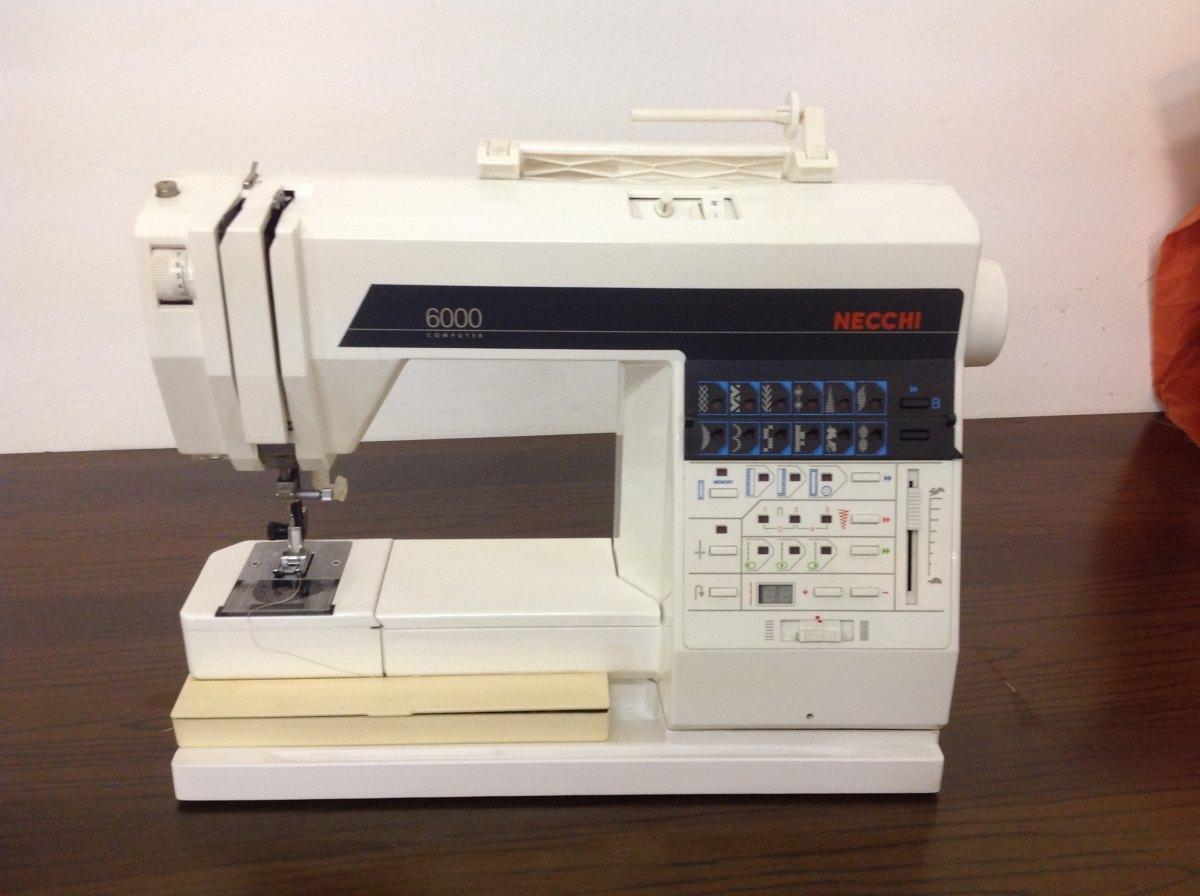 Necchi macchina necchi 6000 computer del for Macchine per cucire necchi prezzi