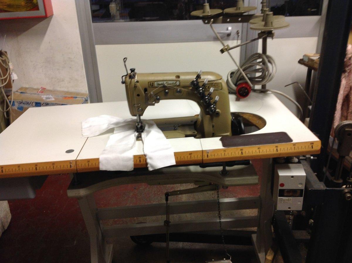 Usato union special macchina per cucire 2 aghi for Aghi macchina da cucire